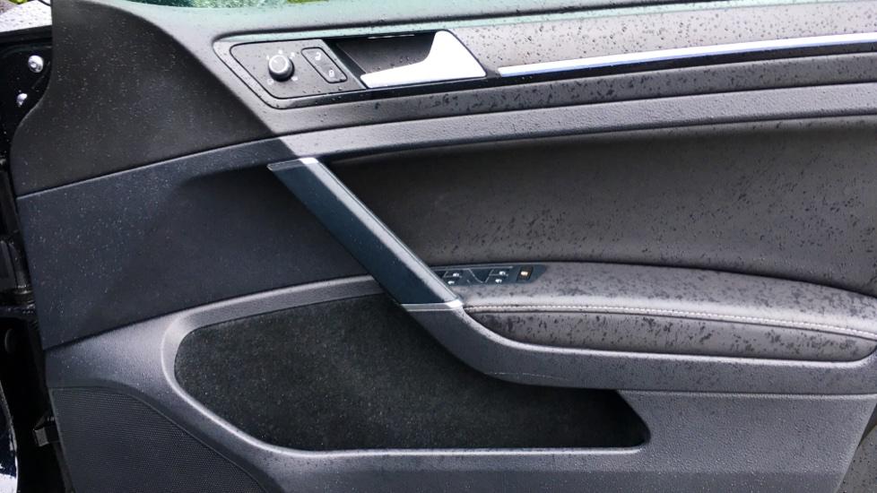 Volkswagen Golf R 4 Motion DSG Auto with Sat Nav, Adaptive Cruise & Frt & Rear Parking Sensors image 17