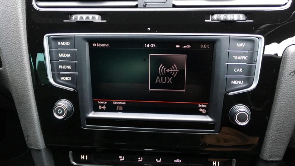 Volkswagen Golf R 4 Motion DSG Auto with Sat Nav, Adaptive Cruise & Frt & Rear Parking Sensors image 19