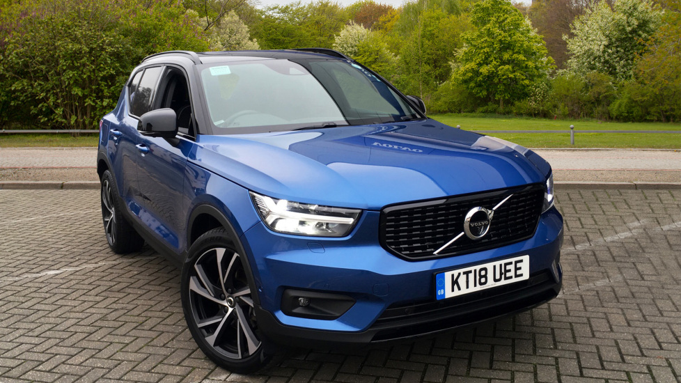 Volvo XC40 2.0 D4 AWD R Design Pro Auto with Xenium Pack, Convenience Pack & Intellisafe Pro Pk Diesel Automatic 5 door Estate (2018) image
