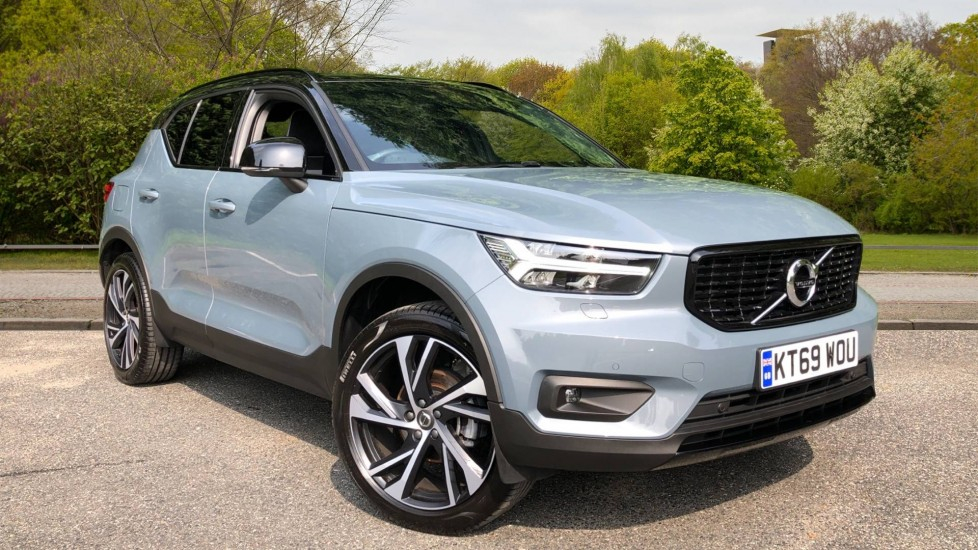 Volvo XC40 D3 R Design Pro Auto, Winter Plus & Convenience Pack, Intellisafe Pro Pack, Rear Camera  2.0 Diesel Automatic 5 door Estate (2019)