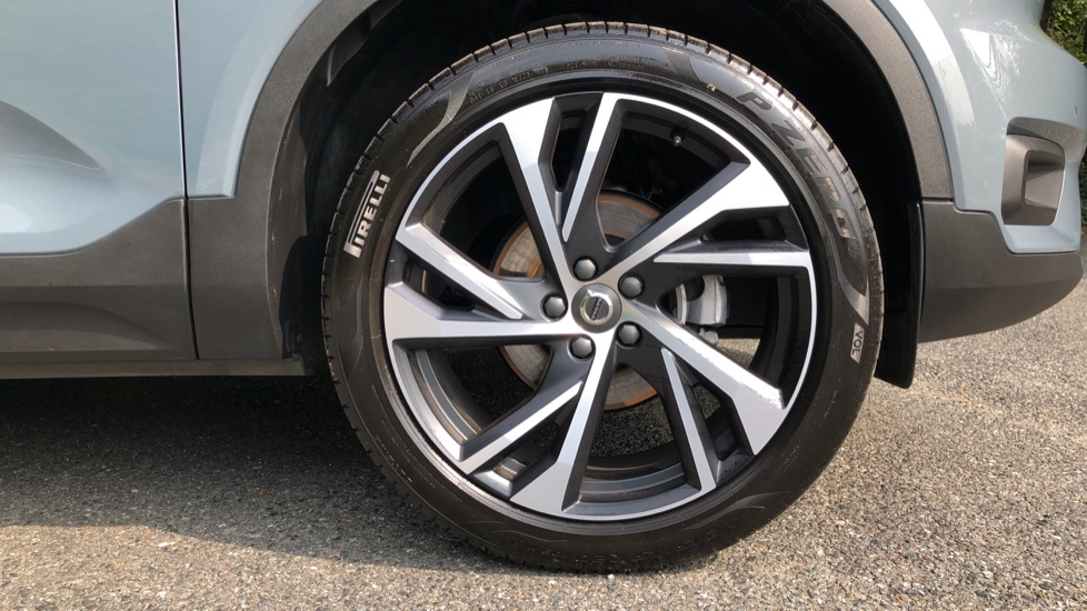 Volvo XC40 D3 R Design Pro Auto, Winter Plus & Convenience Pack, Intellisafe Pro Pack, Rear Camera  image 31