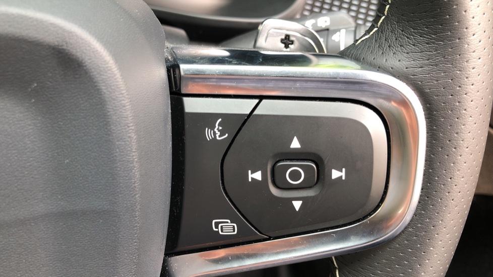 Volvo XC40 D3 R Design Pro Auto, Winter Plus & Convenience Pack, Intellisafe Pro Pack, Rear Camera  image 17