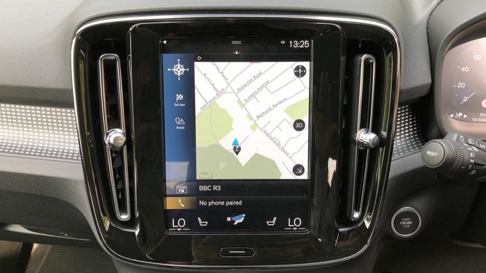 Volvo XC40 D3 R Design Pro Auto, Winter Plus & Convenience Pack, Intellisafe Pro Pack, Rear Camera  image 5