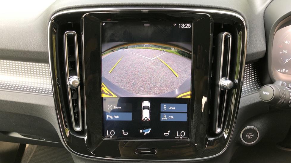Volvo XC40 D3 R Design Pro Auto, Winter Plus & Convenience Pack, Intellisafe Pro Pack, Rear Camera  image 8