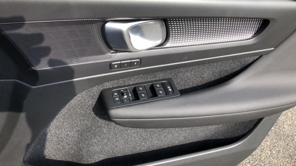 Volvo XC40 D3 R Design Pro Auto, Winter Plus & Convenience Pack, Intellisafe Pro Pack, Rear Camera  image 36