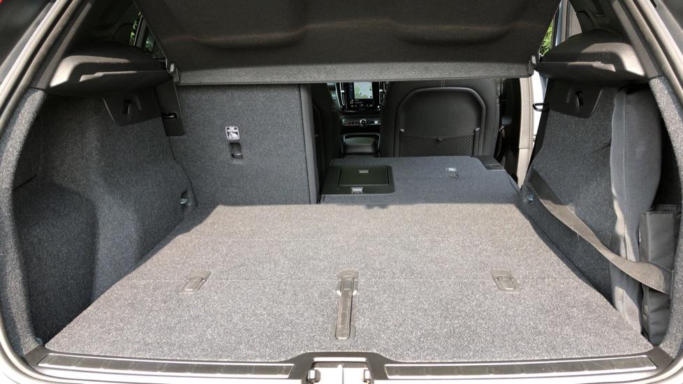 Volvo XC40 D3 R Design Pro Auto, Winter Plus & Convenience Pack, Intellisafe Pro Pack, Rear Camera  image 34
