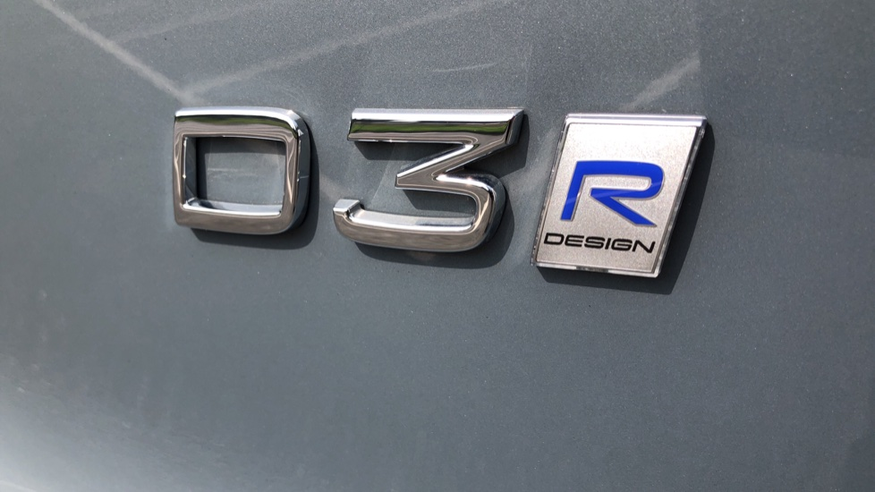 Volvo XC40 D3 R Design Pro Auto, Winter Plus & Convenience Pack, Intellisafe Pro Pack, Rear Camera  image 38