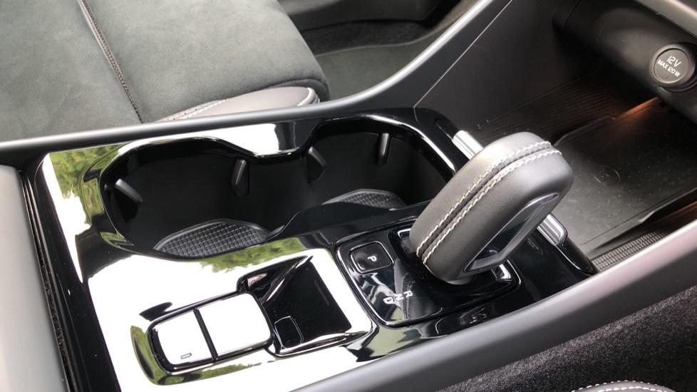 Volvo XC40 D3 R Design Pro Auto, Winter Plus & Convenience Pack, Intellisafe Pro Pack, Rear Camera  image 19