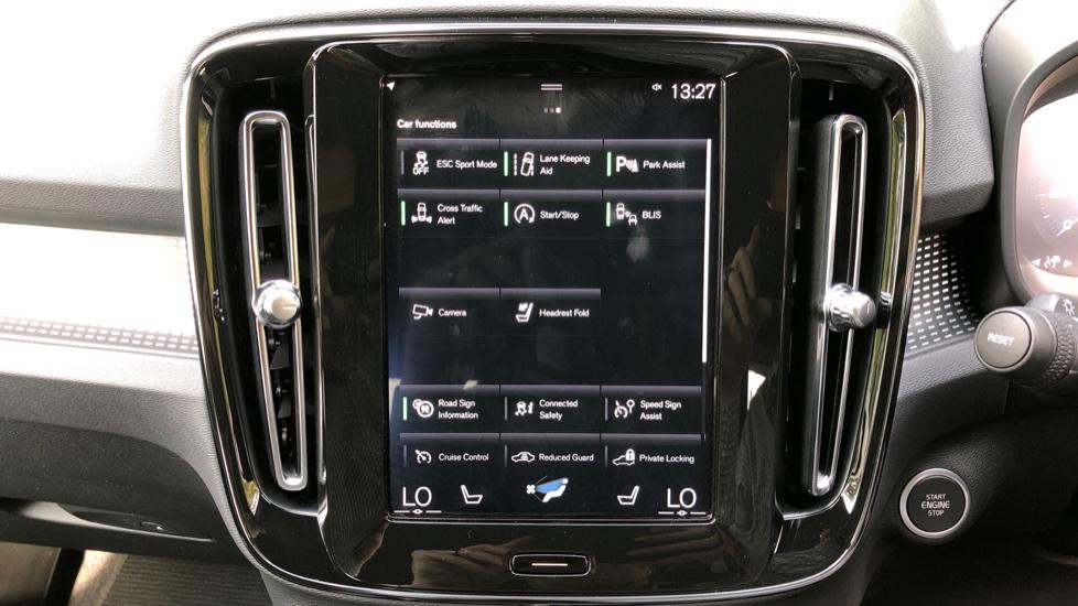Volvo XC40 D3 R Design Pro Auto, Winter Plus & Convenience Pack, Intellisafe Pro Pack, Rear Camera  image 28