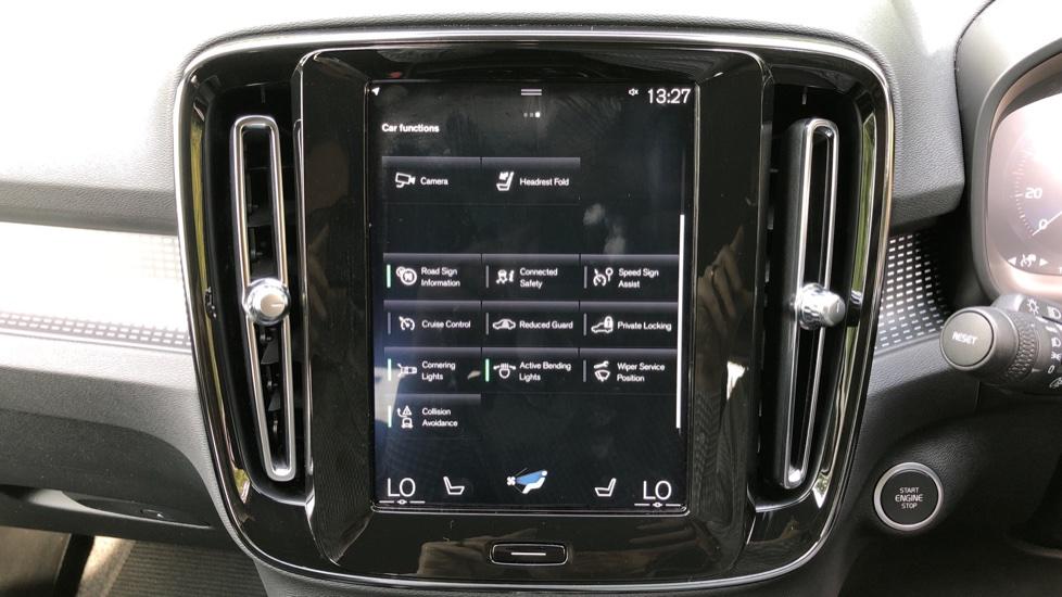 Volvo XC40 D3 R Design Pro Auto, Winter Plus & Convenience Pack, Intellisafe Pro Pack, Rear Camera  image 29