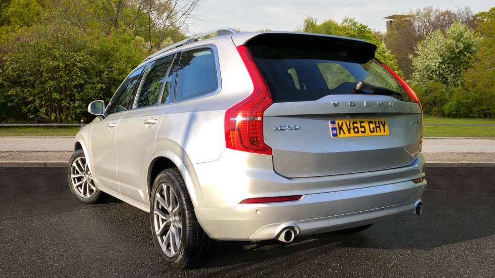 Volvo XC90 D5 Momentum AWD Auto, Nav, 7 Seats, Family & Winter Pack, Booster Seat, Heated Screen, CarPlay image 4