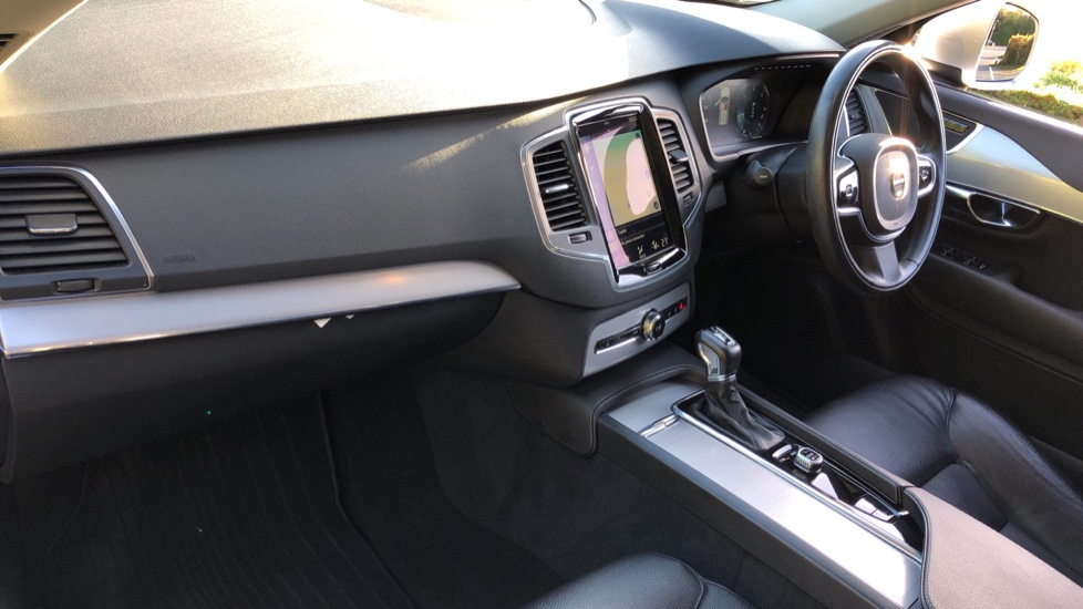 Volvo XC90 D5 Momentum AWD Auto, Nav, 7 Seats, Family & Winter Pack, Booster Seat, Heated Screen, CarPlay image 11
