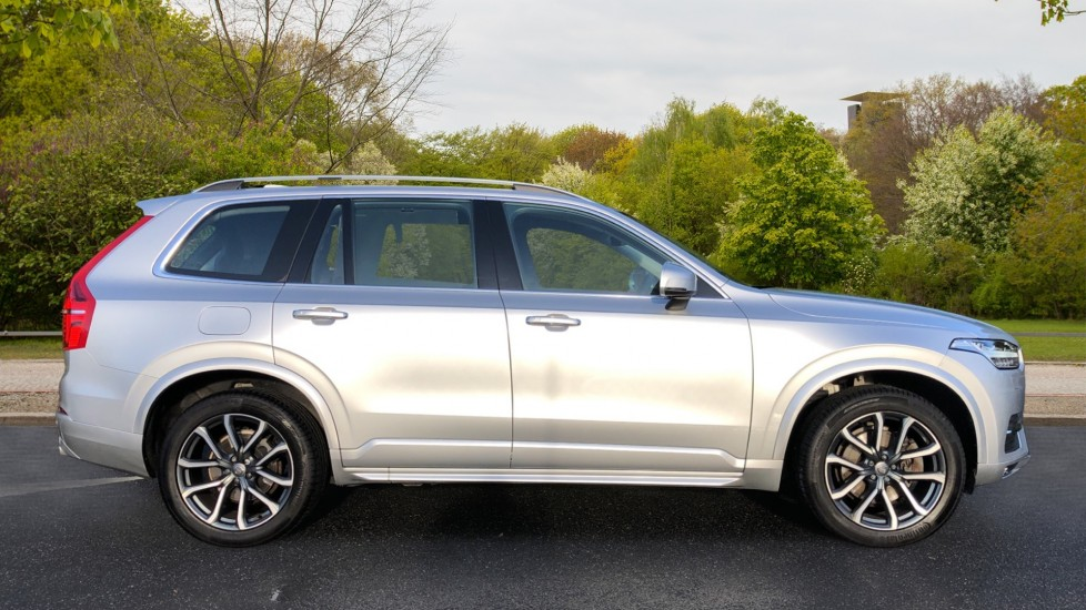 Volvo XC90 D5 Momentum AWD Auto, Nav, 7 Seats, Family & Winter Pack, Booster Seat, Heated Screen, CarPlay image 2