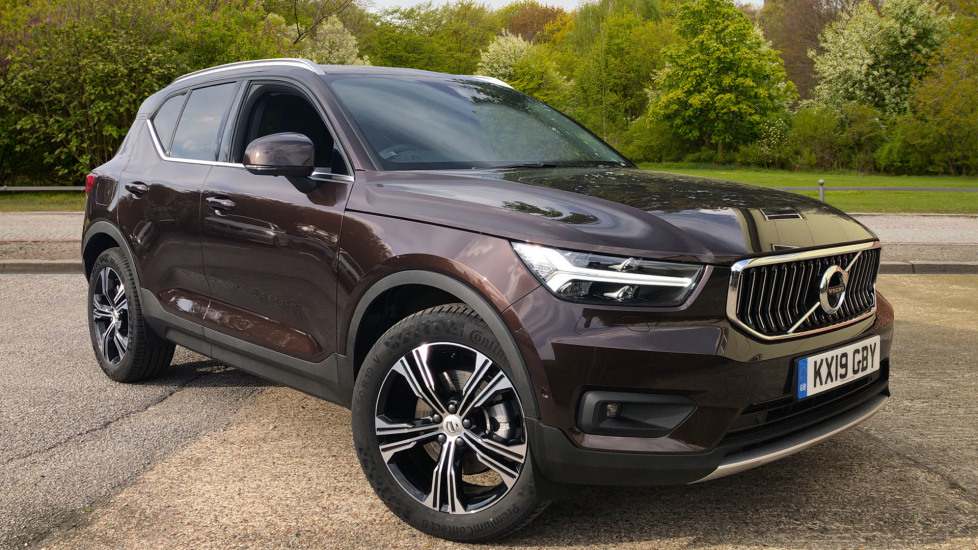 Volvo XC40 2.0 T4 Inscription Pro Nav AWD Auto with Xenium, BLIS, Smartphone Pk & Convenience Pk. Automatic 5 door 4x4 (2019) at Volvo Croydon thumbnail image