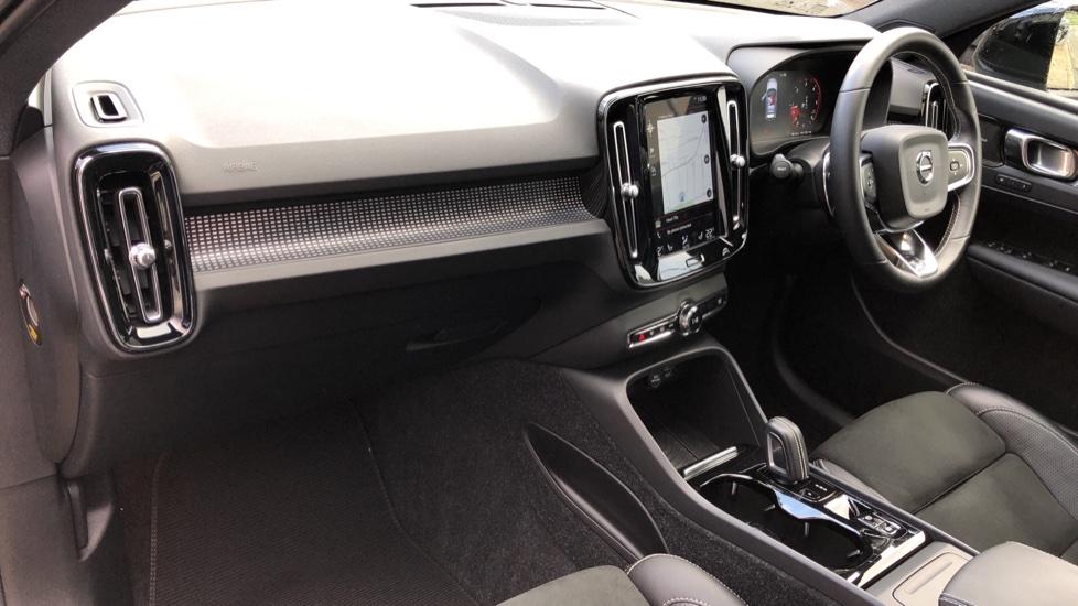 Volvo XC40 D4 First Edition AWD Auto, Launch Model, Nav, Sunroof, 360 Camera, HK Audio, Heated Seats,  image 14