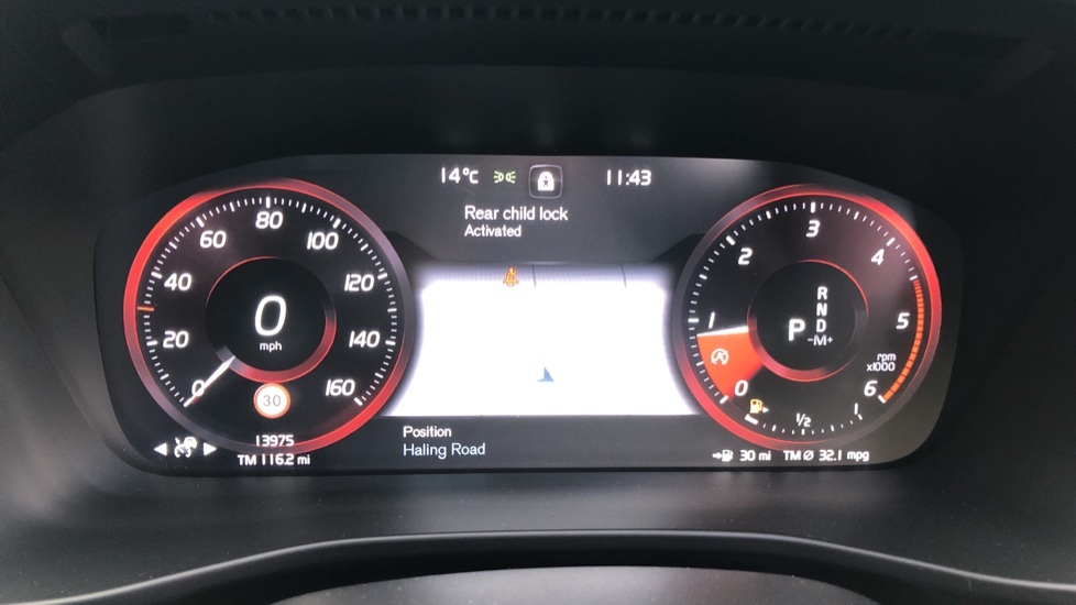Volvo XC40 D4 First Edition AWD Auto, Launch Model, Nav, Sunroof, 360 Camera, HK Audio, Heated Seats,  image 15