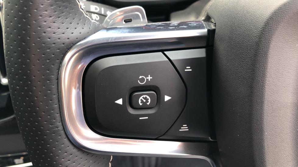 Volvo XC40 D4 First Edition AWD Auto, Launch Model, Nav, Sunroof, 360 Camera, HK Audio, Heated Seats,  image 19