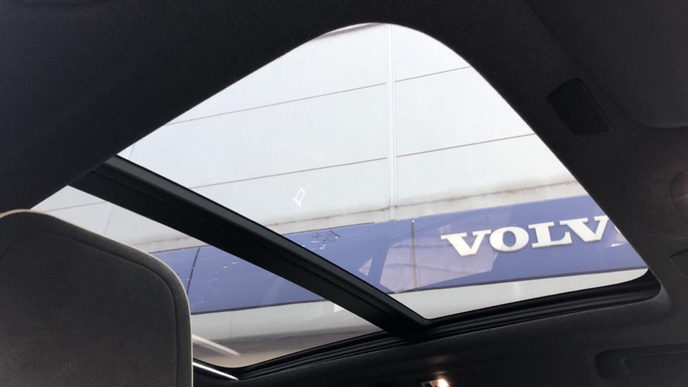 Volvo XC40 D4 First Edition AWD Auto, Launch Model, Nav, Sunroof, 360 Camera, HK Audio, Heated Seats,  image 6