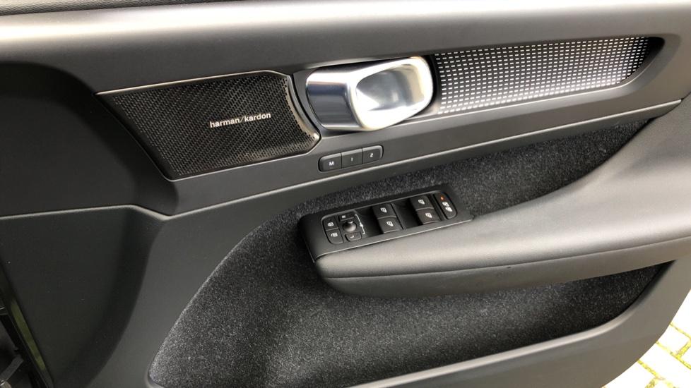 Volvo XC40 D4 First Edition AWD Auto, Launch Model, Nav, Sunroof, 360 Camera, HK Audio, Heated Seats,  image 41