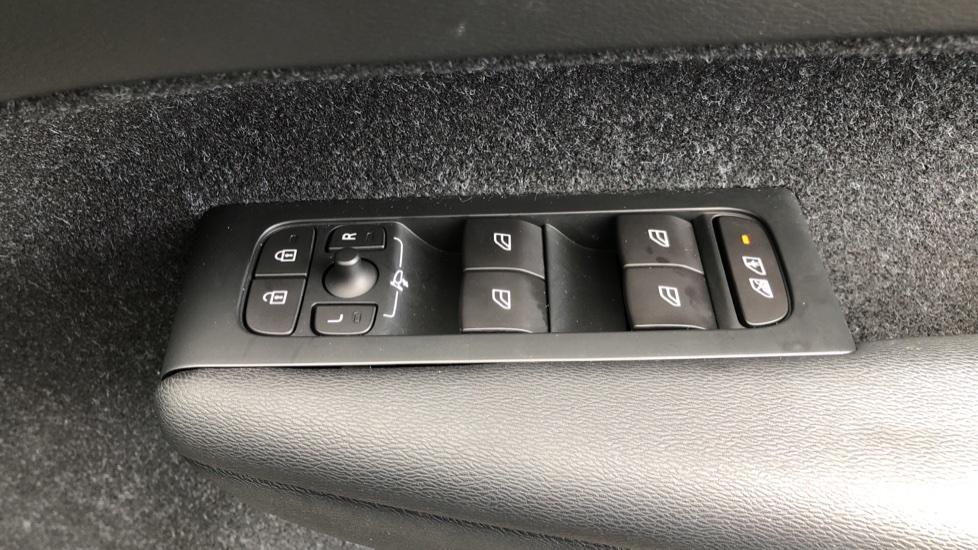 Volvo XC40 D4 First Edition AWD Auto, Launch Model, Nav, Sunroof, 360 Camera, HK Audio, Heated Seats,  image 42