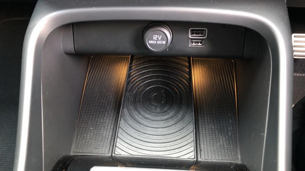 Volvo XC40 D4 First Edition AWD Auto, Launch Model, Nav, Sunroof, 360 Camera, HK Audio, Heated Seats,  image 8