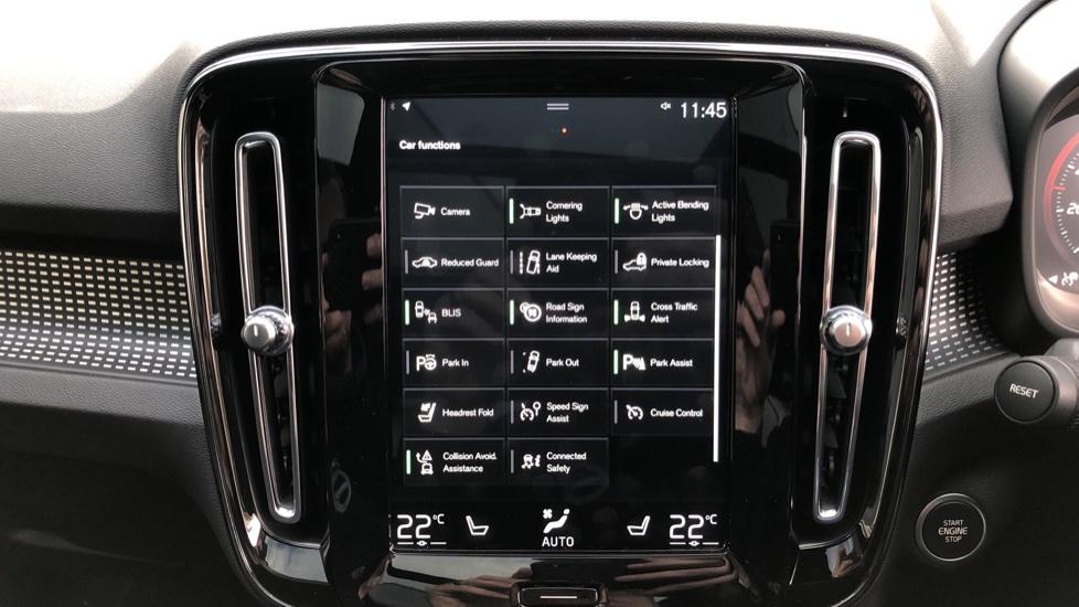 Volvo XC40 D4 First Edition AWD Auto, Launch Model, Nav, Sunroof, 360 Camera, HK Audio, Heated Seats,  image 31