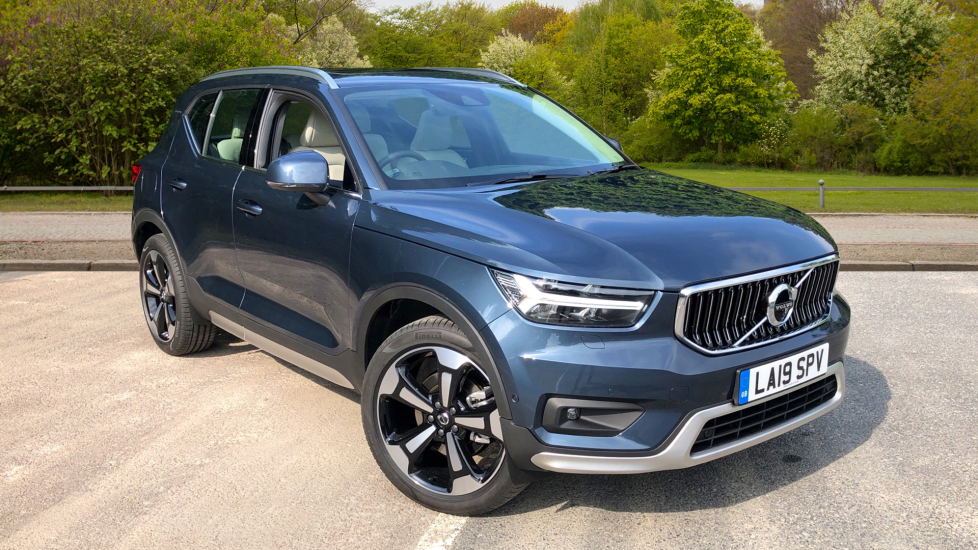 Volvo XC40 2 0 D3 Inscription Pro AWD Auto, Xenium, Intellisafe Surround,  Towbar, 20 Inch Wheels & Bodykit Diesel Automatic 5 door Estate (2019)