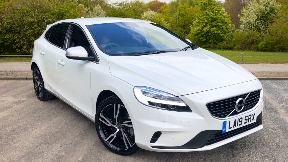 Volvo V40 T3 R Design Edition Auto W. Sensus Nav, 18 Inch Alloys, Front & Rear Park Assist  1.5 Automatic 5 door Hatchback (2019)