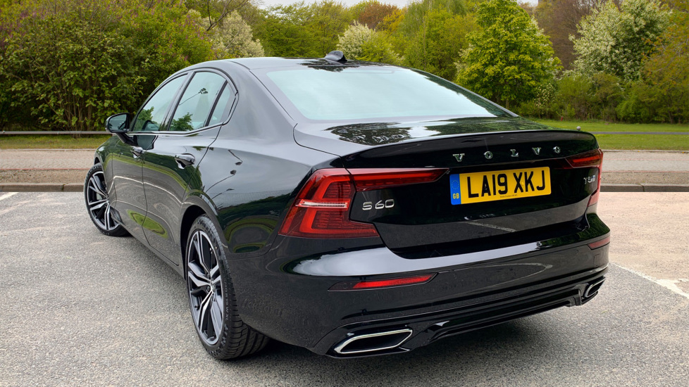 Volvo S60 2.0 T5 Petrol 250hp R Design Edition Nav Auto with Launch Pack, Rear Camera & Apple Car Play image 2