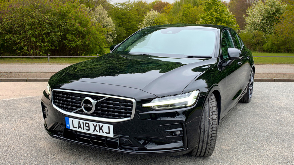 Volvo S60 2.0 T5 Petrol 250hp R Design Edition Nav Auto with Launch Pack, Rear Camera & Apple Car Play image 9