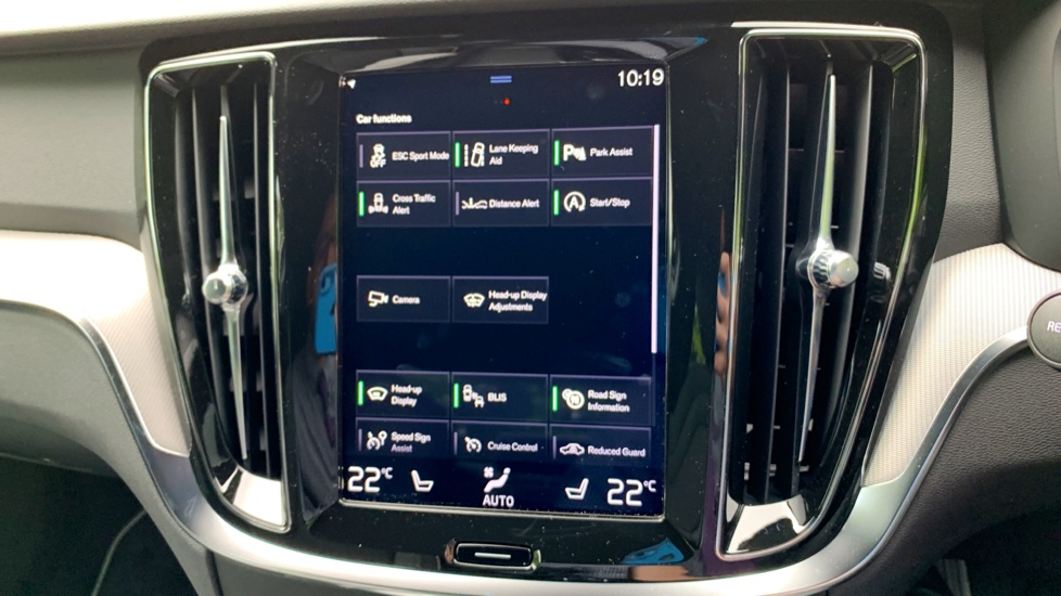 Volvo S60 2.0 T5 Petrol 250hp R Design Edition Nav Auto with Launch Pack, Rear Camera & Apple Car Play image 23