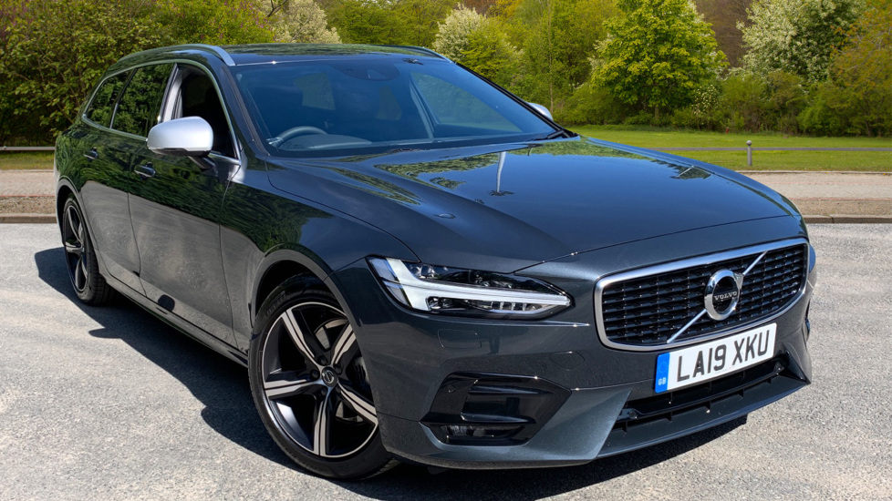 Volvo V90 2.0 D4 R DESIGN Auto with ECC, Sat Nav, Winter Pack, Pilot Assist & Privacy Glass,  Diesel Automatic 5 door Estate (2019) at Volvo Croydon thumbnail image