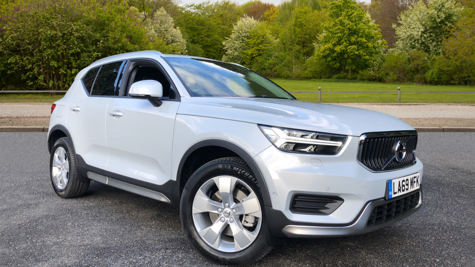 Volvo XC40 T4 Momentum AT, Xenium/Winter/Convenience Pks, Memory D.Seat, BLIS, Tints, Styling Kit, Rubber Mat 2.0 Automatic 5 door Estate (2020)