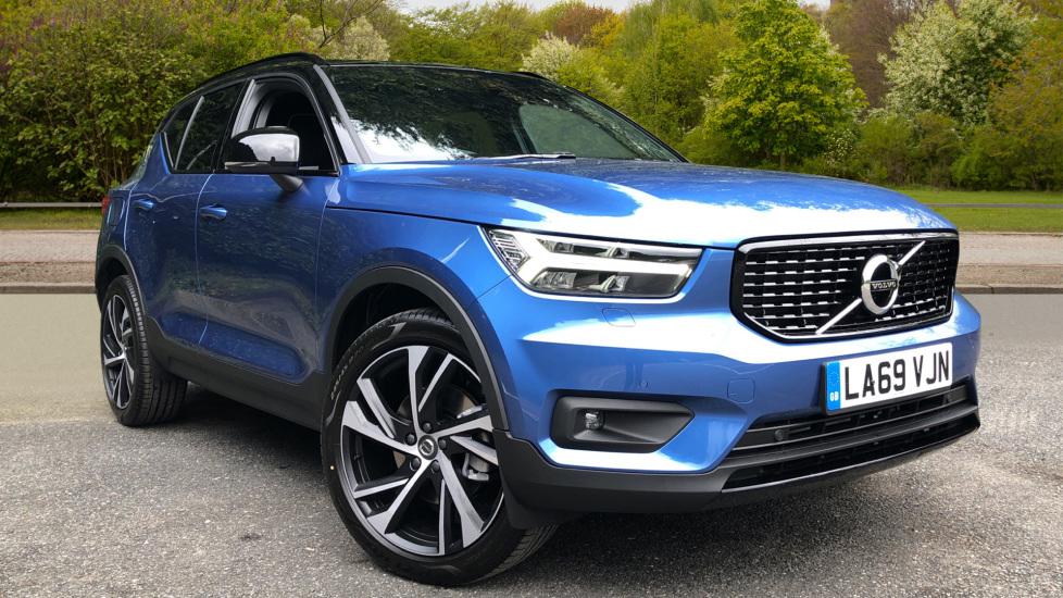 Volvo XC40 T4 AWD R Design Pro Nav Auto with Intellisafe Pro, Conven Pk, Nav, Heated Screen, Active Bend Lights 2.0 Automatic 5 door 4x4 (2020)