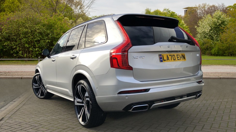Volvo XC90 T8 Recharge PHEV R Design Pro AWD Auto, Lounge, Climate & Driver Assist Packs, Sunroof, B & W image 4