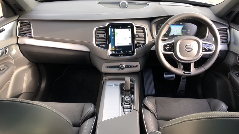 Volvo XC90 T8 Recharge PHEV R Design Pro AWD Auto, Lounge, Climate & Driver Assist Packs, Sunroof, B & W image 14