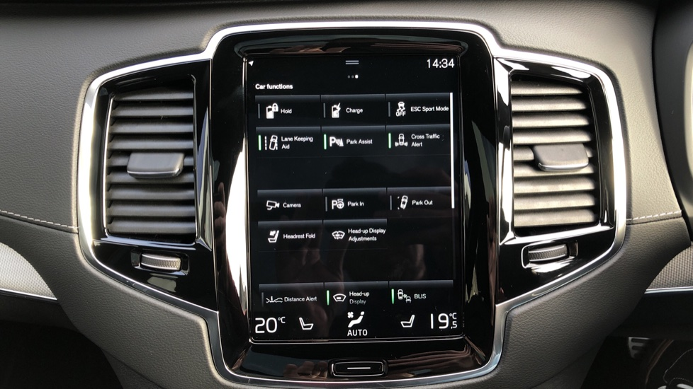 Volvo XC90 T8 Recharge PHEV R Design Pro AWD Auto, Lounge, Climate & Driver Assist Packs, Sunroof, B & W image 36