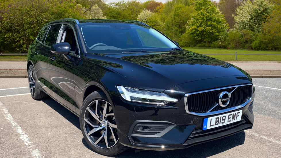 Volvo V60 2.0 T5 Momentum Pro Auto With. Rear Parking Cam, Dark Tints & Intellisafe Pro Automatic 5 door Estate (2019) image