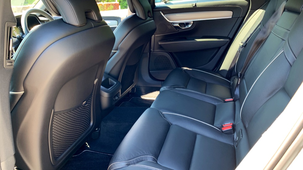 Volvo S90 T5 Petrol R Design Pro Nav Auto with SmartPhone, BLIS, Tints, 360Cam, Seat Pk & Xenium Pk image 13