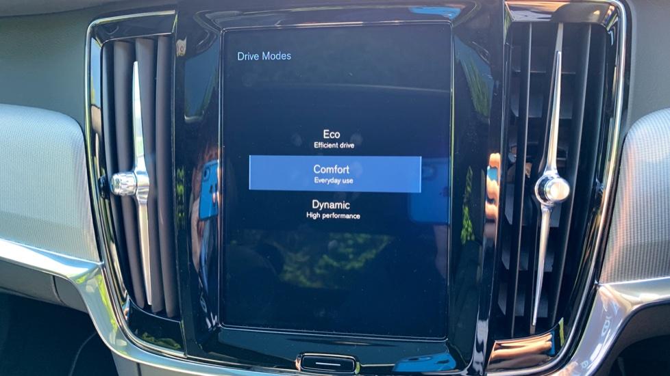 Volvo S90 T5 Petrol R Design Pro Nav Auto with SmartPhone, BLIS, Tints, 360Cam, Seat Pk & Xenium Pk image 24
