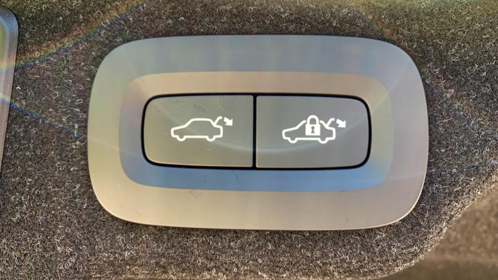 Volvo S90 T5 Petrol R Design Pro Nav Auto with SmartPhone, BLIS, Tints, 360Cam, Seat Pk & Xenium Pk image 29