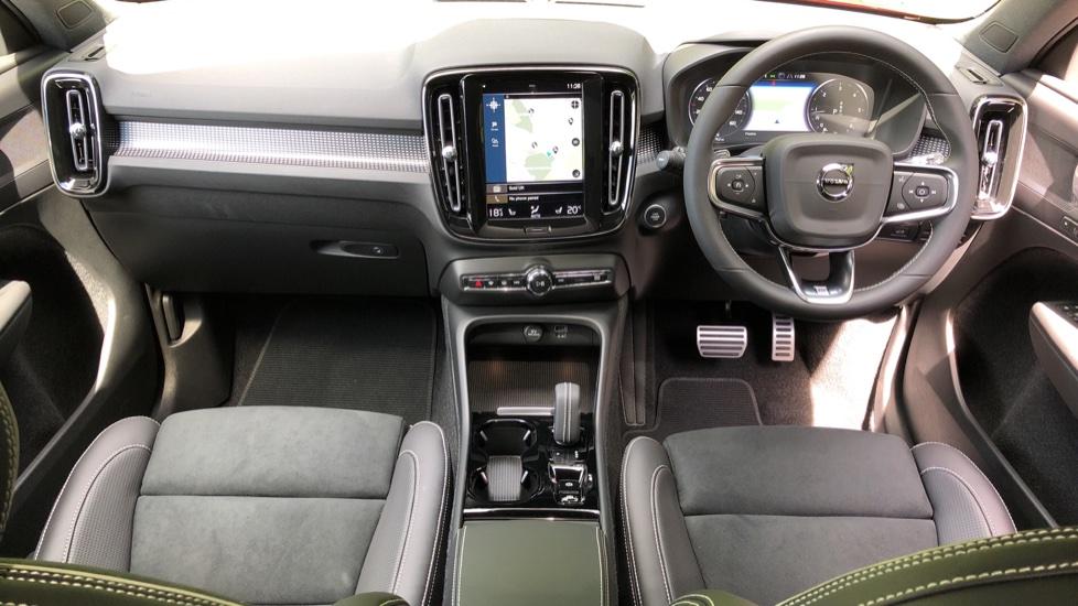 Volvo XC40 D3 R Design Pro AWD Auto, Xenium Pack, Pano Sunroof, 360 Cam, BLIS, Smartphone Integration image 9