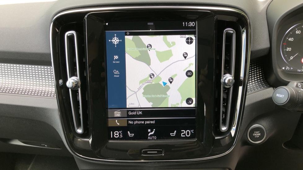 Volvo XC40 D3 R Design Pro AWD Auto, Xenium Pack, Pano Sunroof, 360 Cam, BLIS, Smartphone Integration image 6