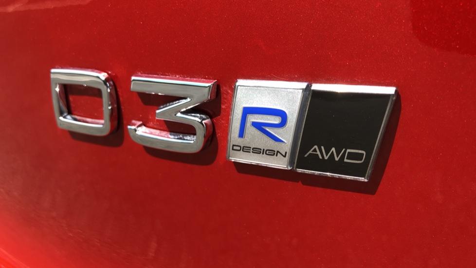 Volvo XC40 D3 R Design Pro AWD Auto, Xenium Pack, Pano Sunroof, 360 Cam, BLIS, Smartphone Integration image 33