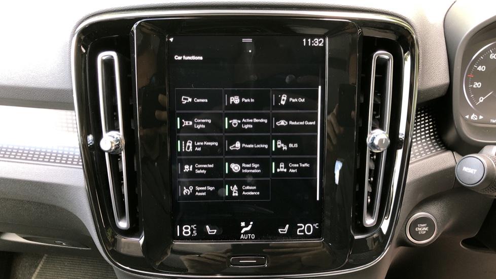 Volvo XC40 D3 R Design Pro AWD Auto, Xenium Pack, Pano Sunroof, 360 Cam, BLIS, Smartphone Integration image 26