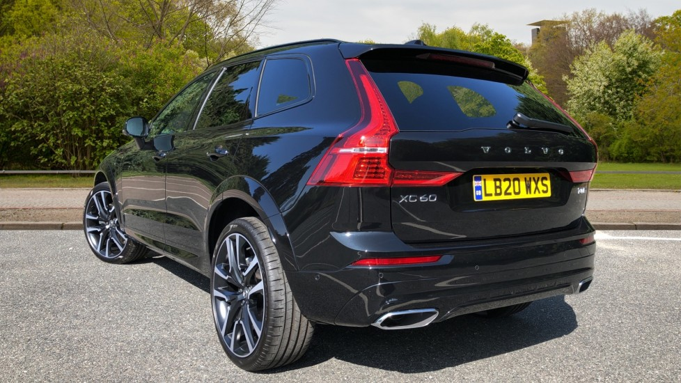 Volvo XC60 T8 Hybrid R Design Pro AWD Auto, Bowers & Wilkins, Xenium, Family & Convenience Packs, Sunroof image 4