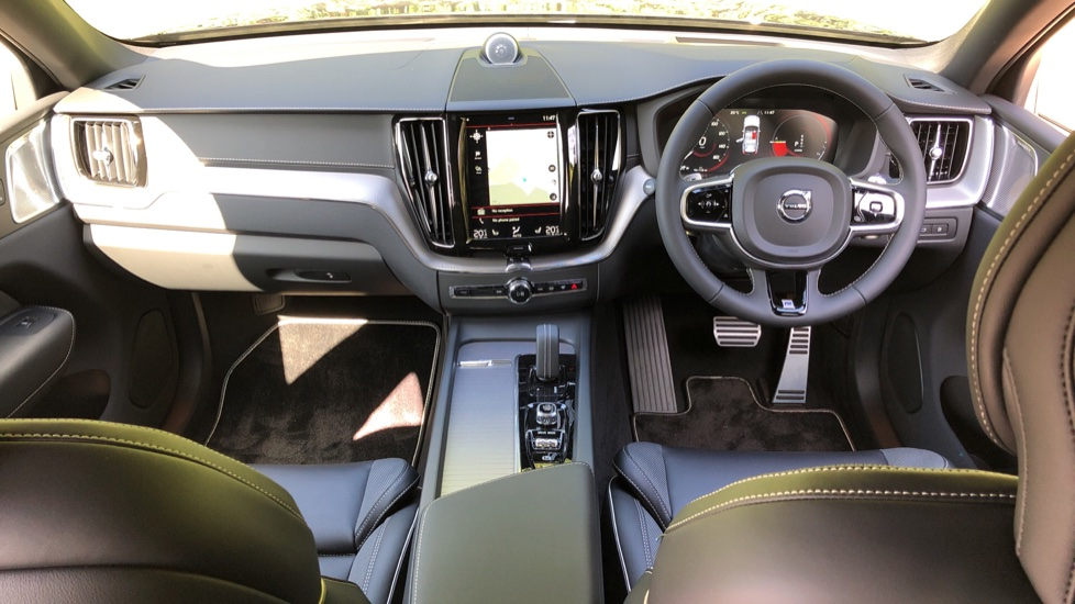 Volvo XC60 T8 Hybrid R Design Pro AWD Auto, Bowers & Wilkins, Xenium, Family & Convenience Packs, Sunroof image 15