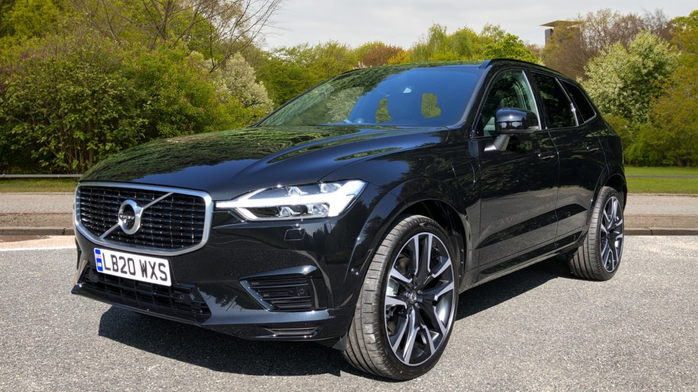 Volvo XC60 T8 Hybrid R Design Pro AWD Auto, Bowers & Wilkins, Xenium, Family & Convenience Packs, Sunroof image 3