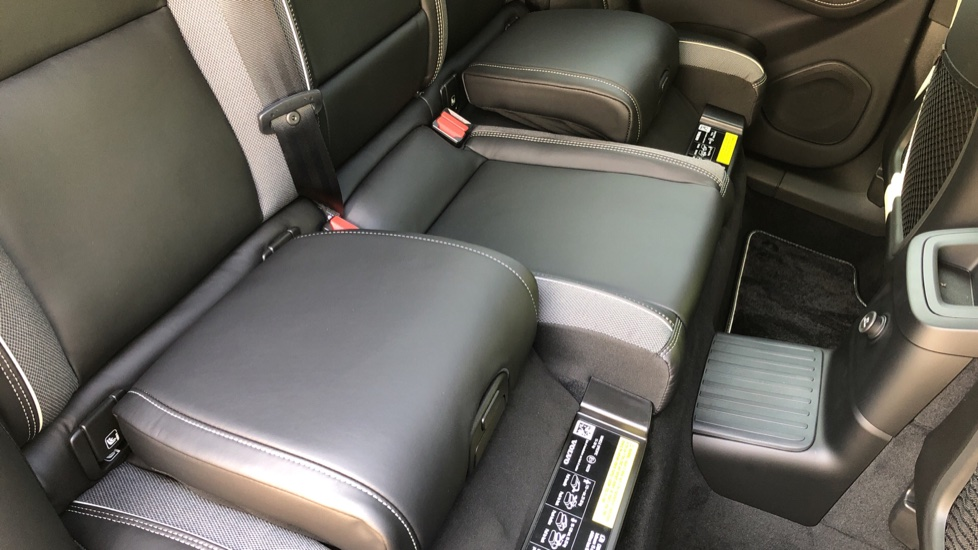 Volvo XC60 T8 Hybrid R Design Pro AWD Auto, Bowers & Wilkins, Xenium, Family & Convenience Packs, Sunroof image 11