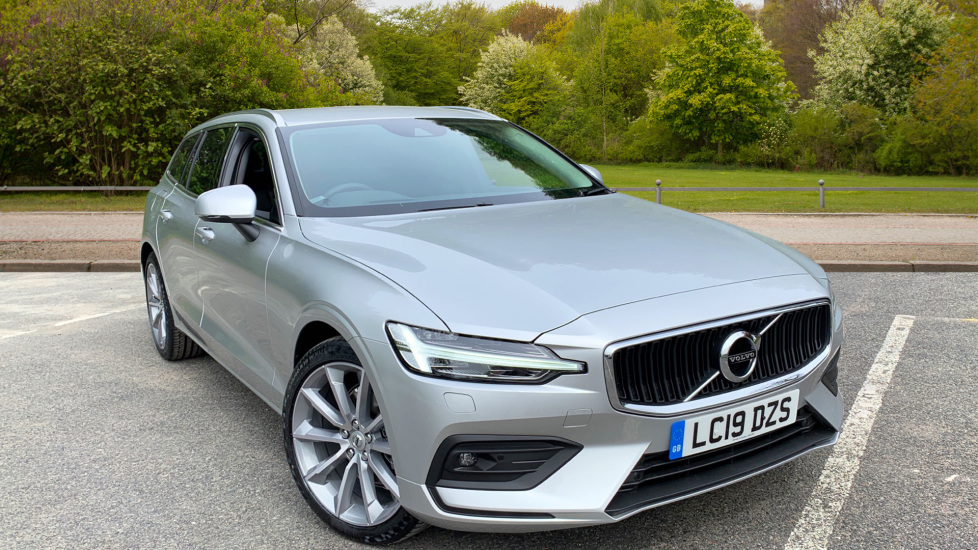 Volvo V60 2.0 D3 150hp Momentum Pro Auto with Dark Tinted Windows, Sat Nav, & Front / Rear Park Assist Diesel Automatic 5 door Estate (2019) image